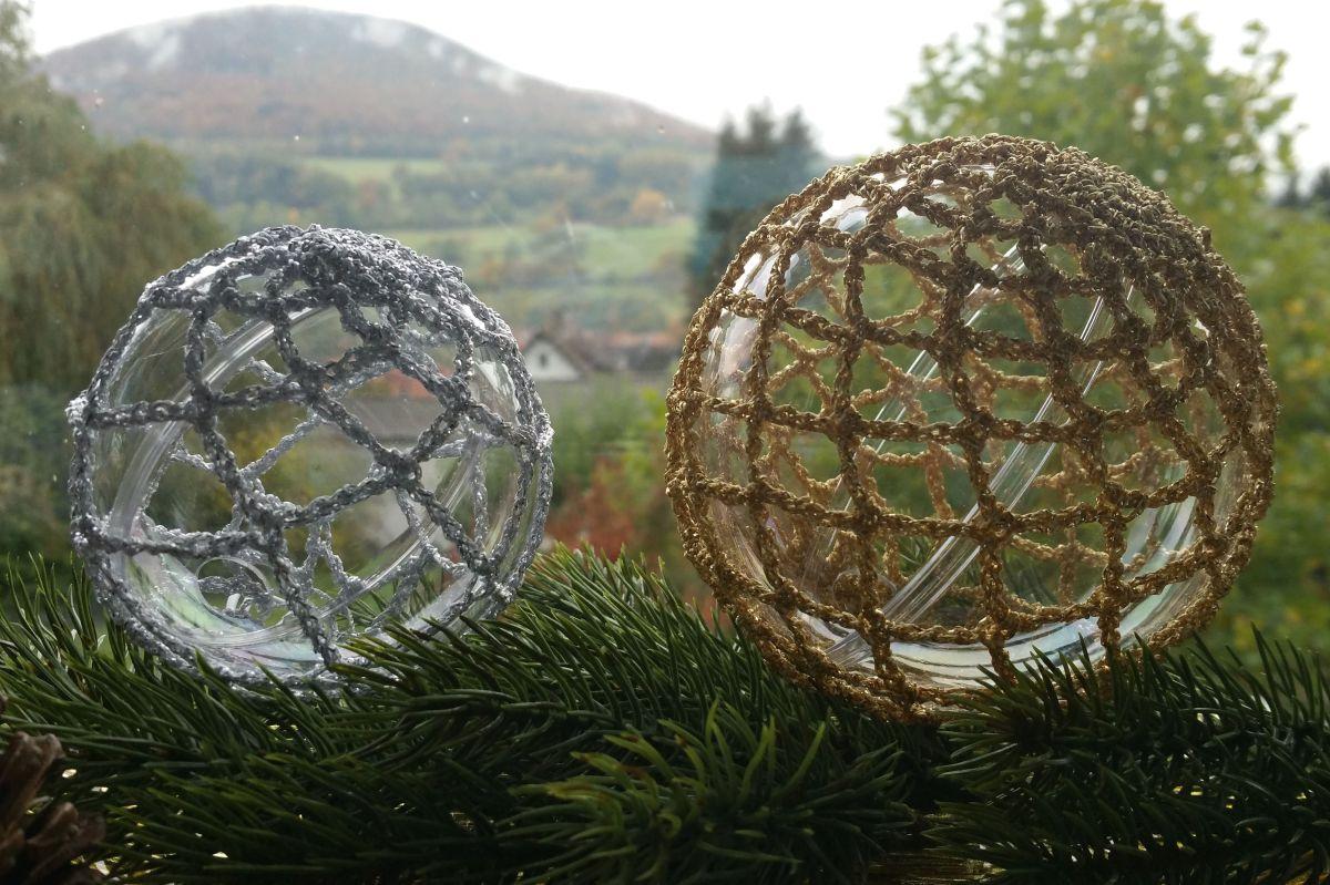 """Anleitung Weihnachtskugel """"Netzwerke(l)n"""" 10 cm"""
